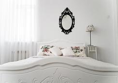 多姆库莫维查酒店 - 圣彼德堡 - 睡房
