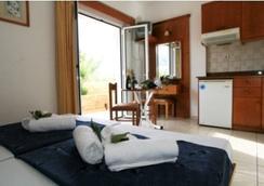 达尼里斯公寓酒店 - Malia - 睡房