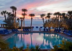 唐塞萨尔酒店 - 圣彼得海滩 - 游泳池