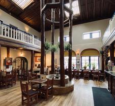陶斯历史酒店