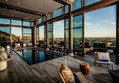 太阳广场开普敦市波尔酒店 - 开普敦 - 游泳池