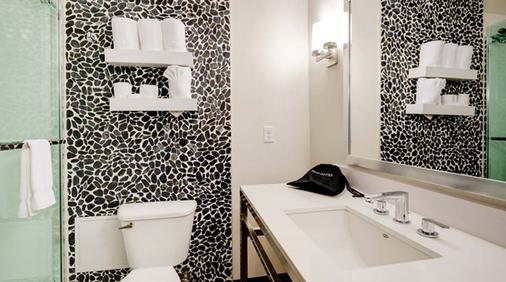 美国希尔顿花园酒店明尼阿波利斯机场购物中心 - 布卢明顿 - 浴室