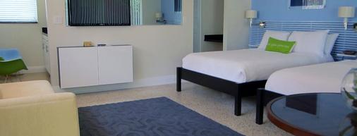 北海滩乡村维多利亚公园度假酒店 - 劳德代尔堡 - 睡房