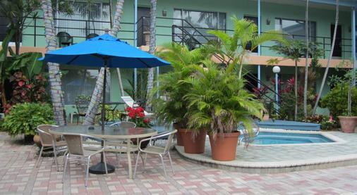 北海滩乡村维多利亚公园度假酒店 - 劳德代尔堡 - 酒店设施