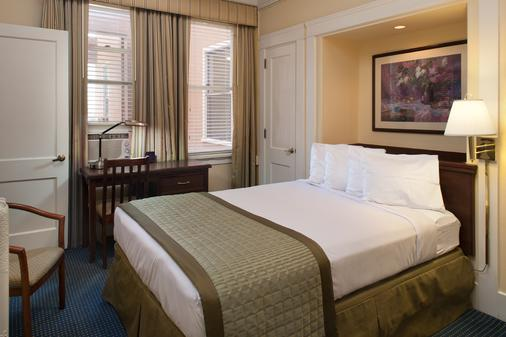 煤气灯会议中心温德姆华美达酒店 - 圣地亚哥 - 睡房