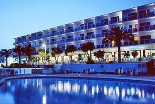 西姆巴德酒店 - 伊维萨镇 - 建筑