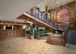 好莱坞市中心华美达酒店 - 好莱坞 - 大厅
