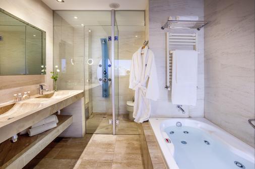格拉纳达巴塞罗国会酒店 - 格拉纳达 - 浴室