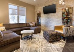 Drury Inn & Suites Louisville North - 路易斯威尔 - 大厅