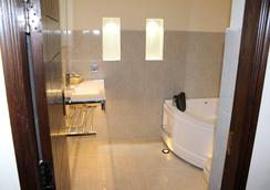 Grand Enclave - Lahore - 浴室