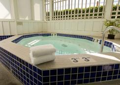 威赛德旅馆 - 坎农比奇 - 水疗中心