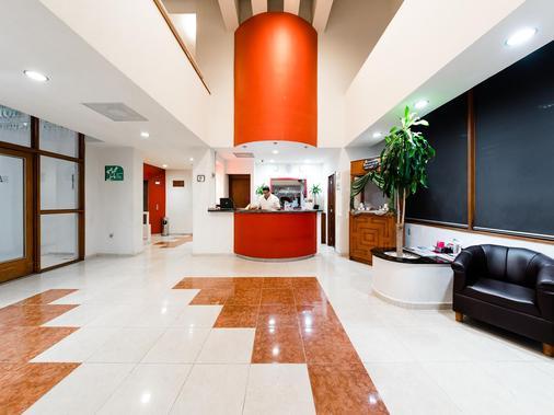 塞拉亚米森快捷酒店 - Celaya - 大厅