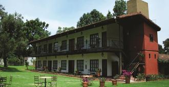 帕茨夸罗米西恩酒店 - 帕茨夸罗 - 建筑