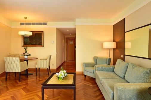 佩斯塔纳长廊海洋度假酒店 - 丰沙尔 - 客厅