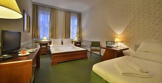 布拉格三皇冠酒店 - 布拉格 - 睡房