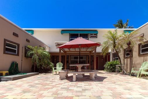 阳光海滩宾馆 - 好莱坞 - 露台