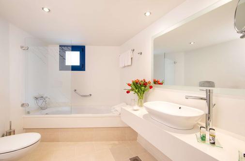 克雷塔马里斯海滩度假村 - 式 - 赫索尼索斯 - 浴室