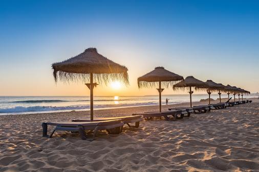 萨尔伽都斯宫殿酒店 - 阿尔布费拉 - 海滩