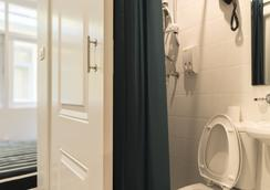 库珀酒店 - 曼谷 - 浴室