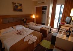 奥巴星辰酒店 - 超级全包 - 阿拉尼亚 - 睡房