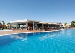 巴拉亚大西洋公寓酒店 - 阿尔布费拉 - 游泳池