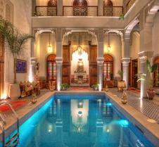 里亚德伊尔阿麦菲斯酒店