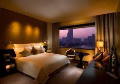 曼谷千禧希尔顿酒店 - 曼谷 - 睡房