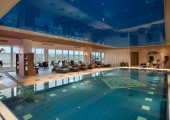慕尼黑凯宾斯基四季酒店 - 慕尼黑 - 游泳池
