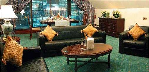 金丝雀码头不列颠国际大酒店 - 伦敦 - 客厅