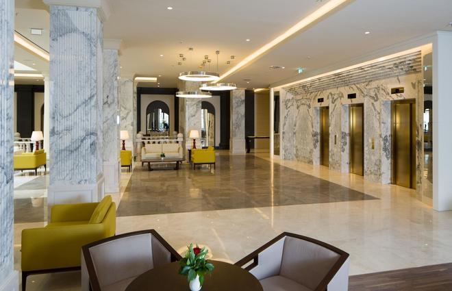 柏林泰坦尼克号豪华酒店 - 柏林 - 大厅