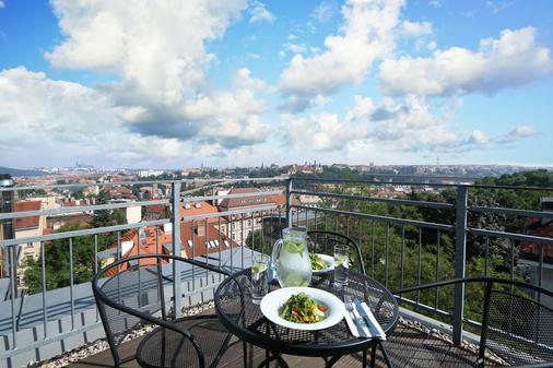 维谢赫拉德公寓式酒店 - 布拉格 - 阳台