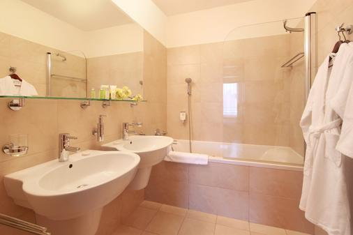 维谢赫拉德公寓式酒店 - 布拉格 - 浴室