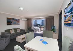 澳大利亚主权酒店 - 冲浪者天堂 - 客厅