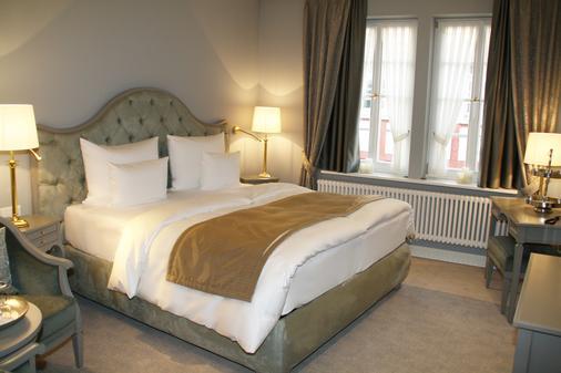 钟声浪漫酒店 - 特里尔 - 睡房