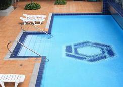马来亚广场酒店 - 马尼拉 - 游泳池