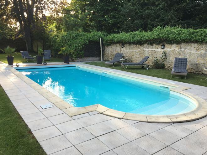 马诺尔圣托马斯酒店 - 阿姆博斯 - 游泳池