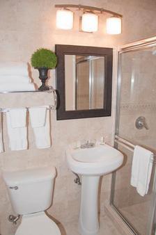 迈阿密跑道旅馆 - 迈阿密泉 - 浴室