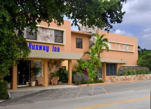 迈阿密跑道旅馆 - 迈阿密泉 - 建筑