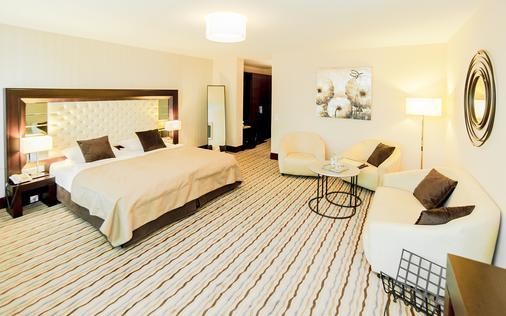 霍普芬斯酒店 - 福森 - 睡房