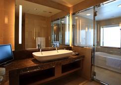 大阪蒙特利格拉斯米尔酒店 - 大阪 - 浴室