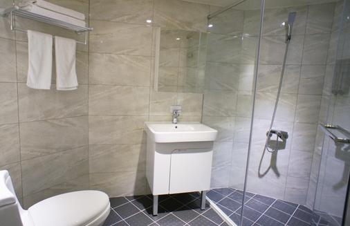 叶绿宿旅馆 - 台中 - 浴室