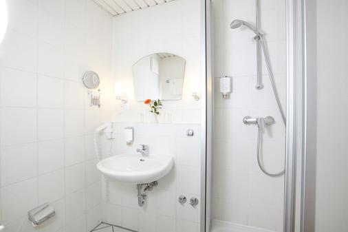 施劳斯维比斯酒店 - 塞巴特黑灵斯多夫 - 浴室