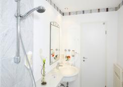 芮斯登兹酒店 - 塞巴特黑灵斯多夫 - 浴室