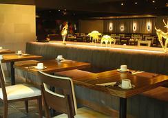 曼谷是隆富丽华酒店 - 曼谷 - 酒吧