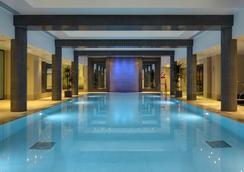 圣保罗农庄酒店 - 伦敦 - 游泳池