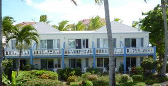 西博恩海滩酒店 - 普罗维登西亚莱斯岛