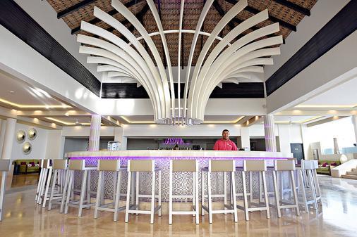 罗亚顿奇科式度假村 - 仅供成人入住 - 蓬塔卡纳 - 酒吧