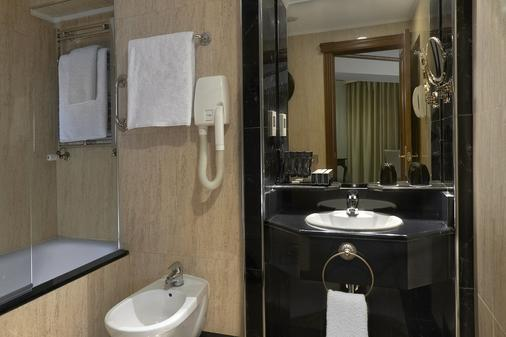 白宫美利亚酒店 - 伦敦 - 浴室