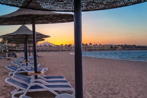 克娄巴特拉马卡迪湾豪华度假酒店 - 赫尔格达 - 海滩