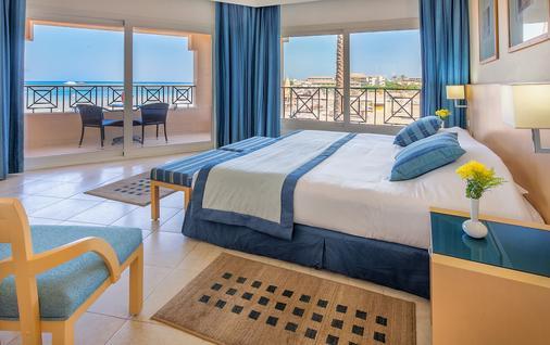 克娄巴特拉马卡迪湾豪华度假酒店 - 赫尔格达 - 睡房